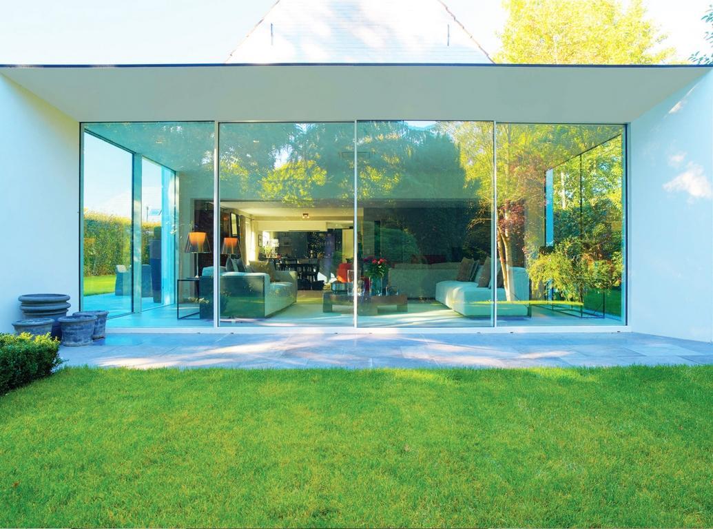 swiss fermetures gland pose de porte et fen tres en suisse romande. Black Bedroom Furniture Sets. Home Design Ideas